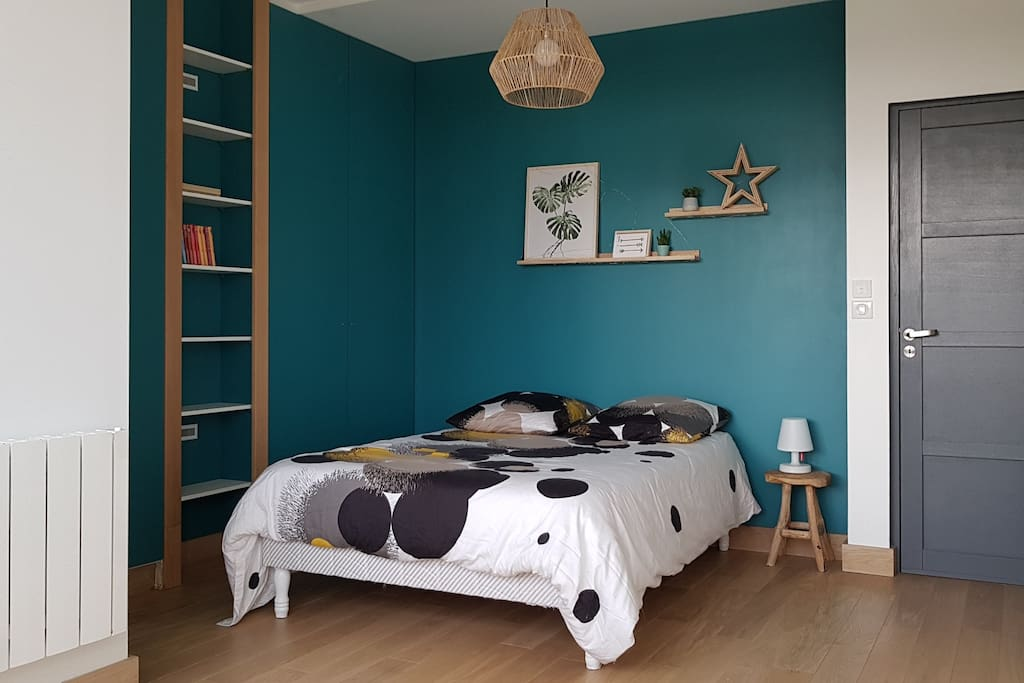 1st floor - Blue - big double room with garden view and private shower