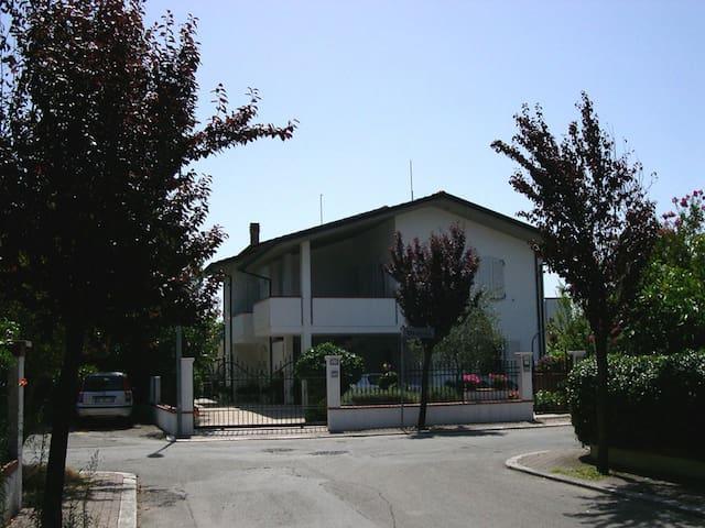 Villa with garden - San Mauro A Mare - Villa