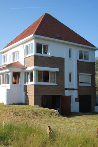 Roomy villa and safe heaven - Koksijde - House