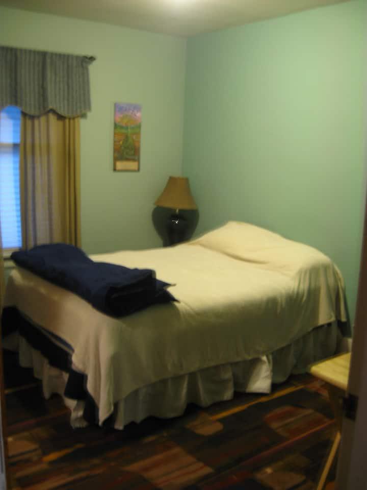 Room on main floor with bathroom w/shower