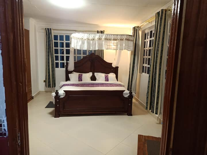 SPACIOUS 5BR HOUSE (4BRs EN-SUITE) IN KITALE KENYA