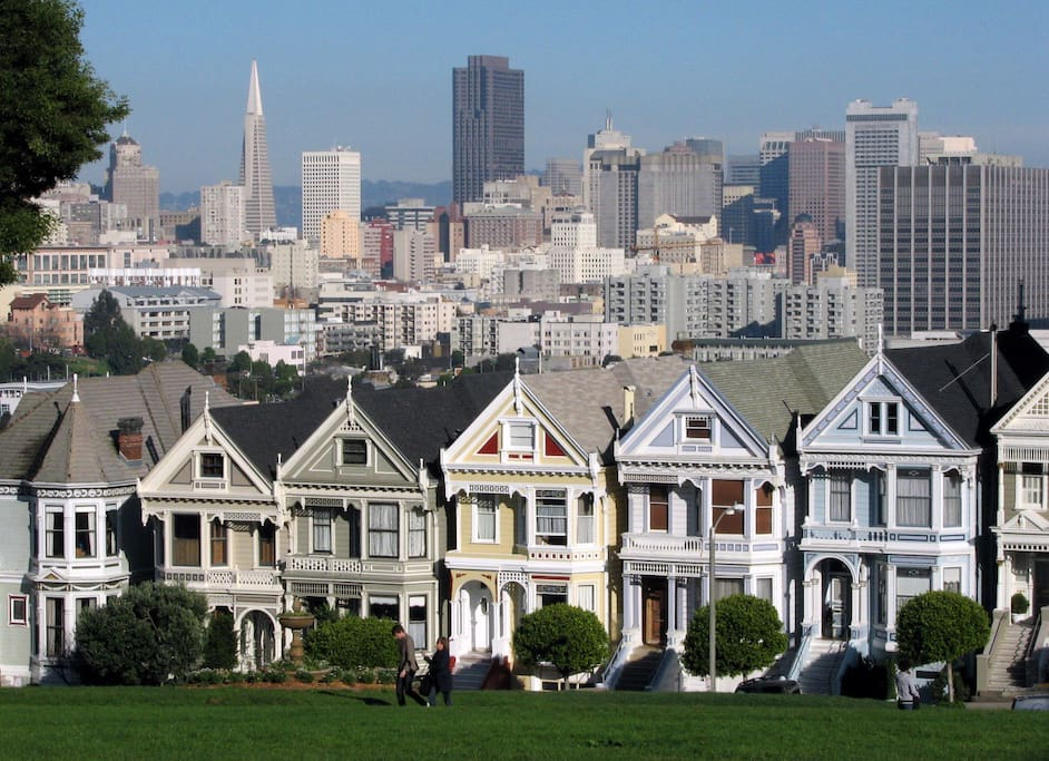 walk to the Painted Ladies in Alamo Square Park