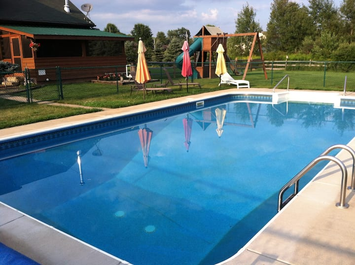 Generations Luxury Cabin Sleeps 21 w/ Pool Hot Tub