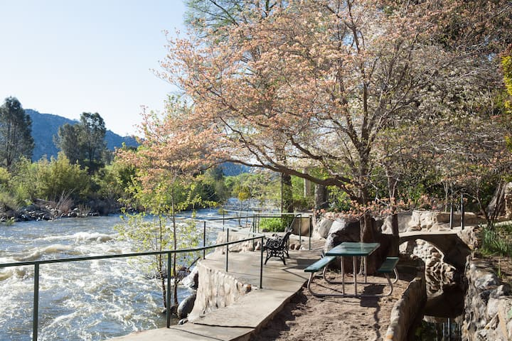 The River's Edge - Enchantment on the Kern River