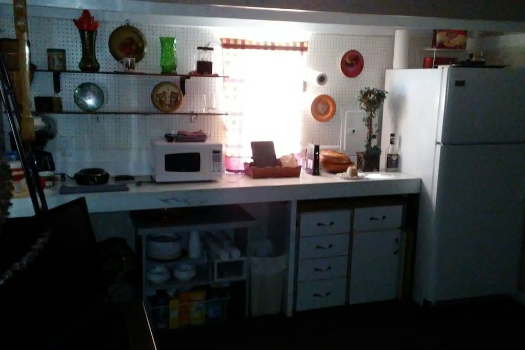 Small Kitchen w/Full Size Fridge/Microwave/Hot Plate/Coffee Maker.