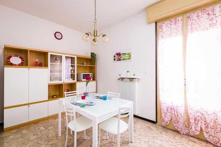 Appartamento -con WIFI- FIERA, SANT'ORSOLA, CENTRO - Bologna - Appartement