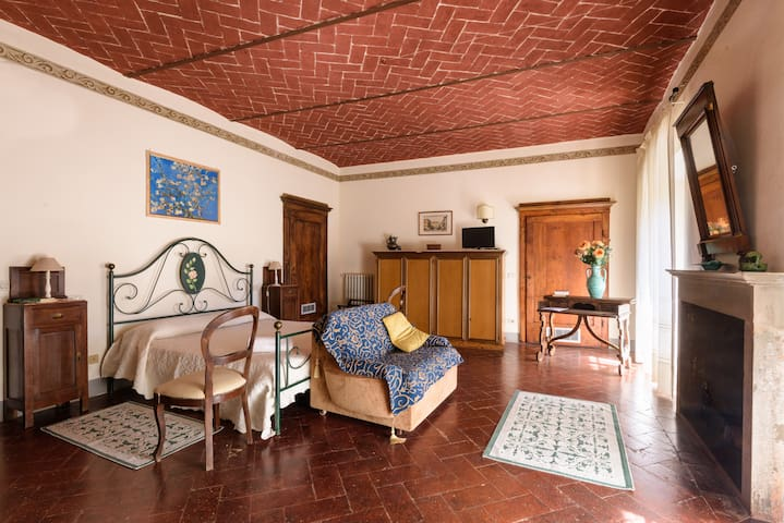 Apartment in villa 's 800