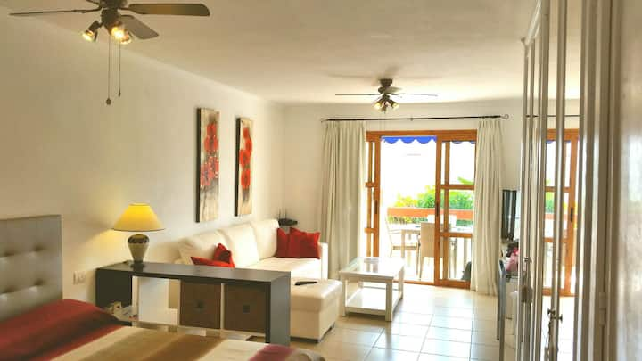 Lovely studio in Los Cristianos wifi~heated pool
