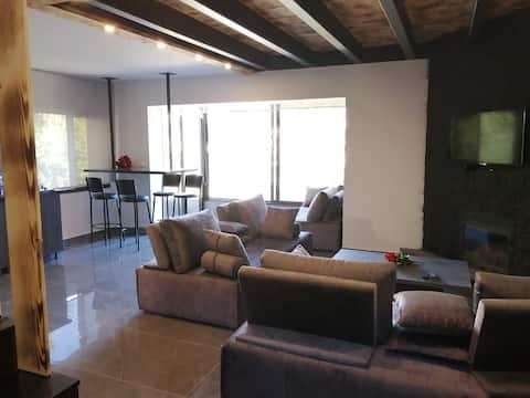 New duplex 2 bed rooms 2king beds panoramic view