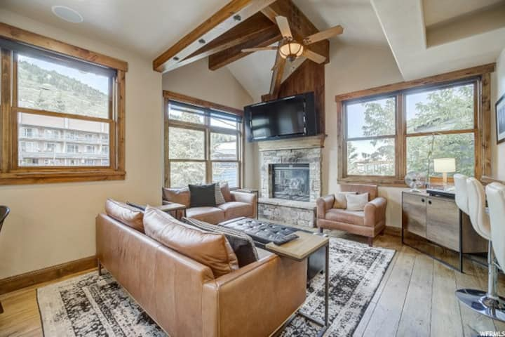 Steps from Main St in historic Old Town Park City!