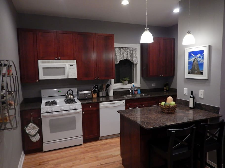 Shared kitchen fully equipped with all appliances and cooking supplies