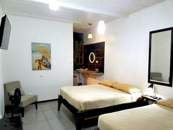 Airbnb Calle 219 Vacation Rentals Places To Stay