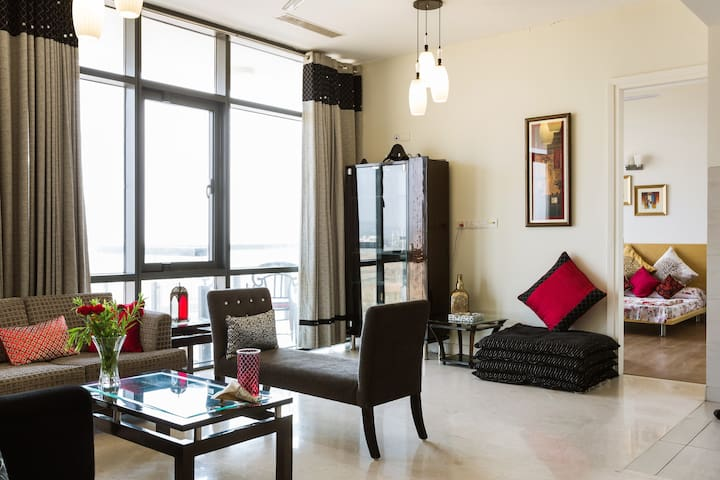 Aks Condo - Resort Style Living - Gurgaon