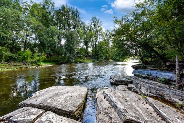River Rock - Riverside at The Swinging Bridge