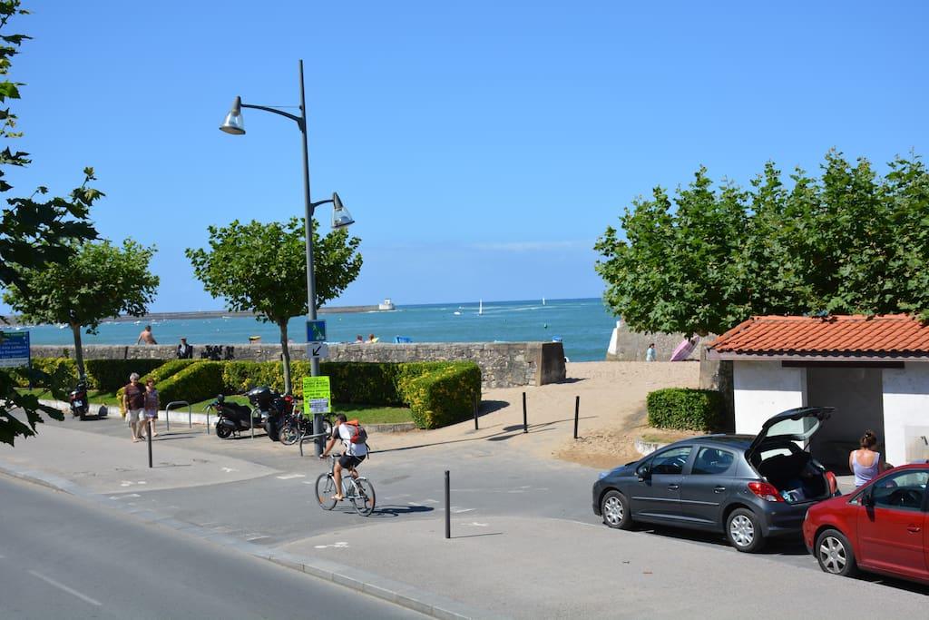 Plage de Ciboure , face à l'appartement  et vue sur la baie de Saint jean de luz