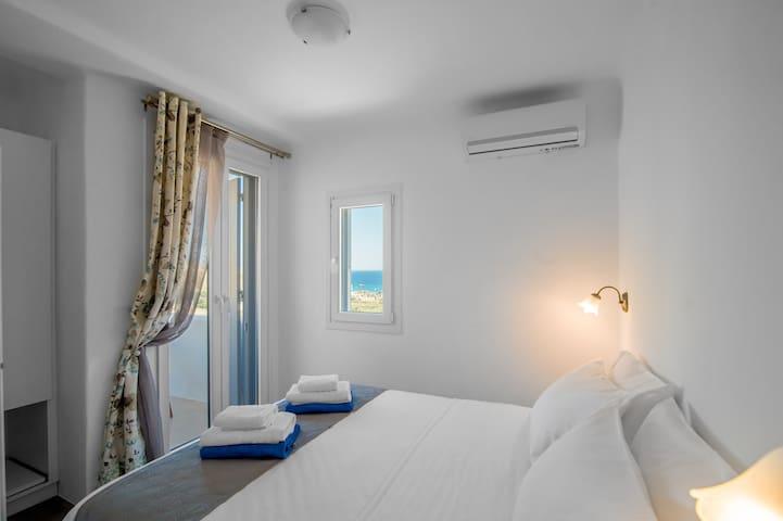 "Mykonos4Islands Seaside Apartment ""Hera"""