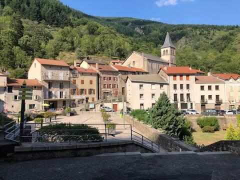 Apt. St-Laurent-les-Bains, Ardèche, parc régional
