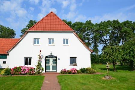 Holsteinhaus-Zirmoisel:  Ruhe&Natur - House