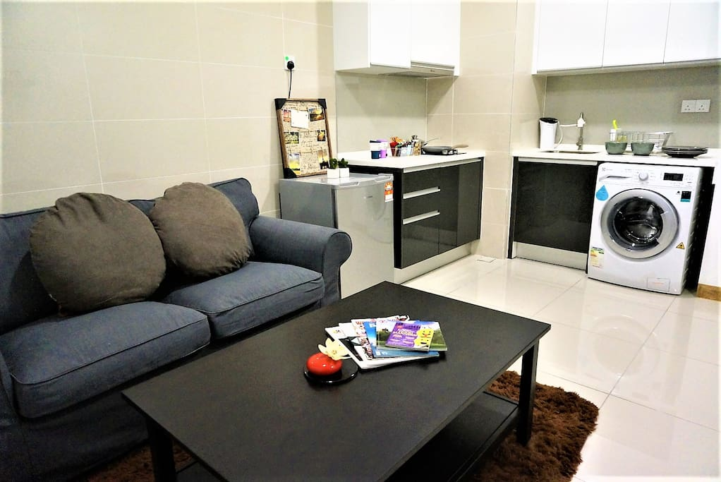Cozy Living Room with Comfortable Sofa Reading, Play Cards Around Table; Home-Feel with Fully Equipped Kitchen.