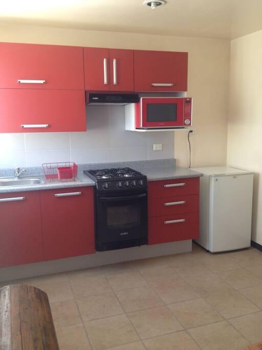 Cocina integral, microondas, minibar