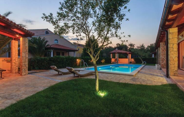 Oliva Holiday Apartment