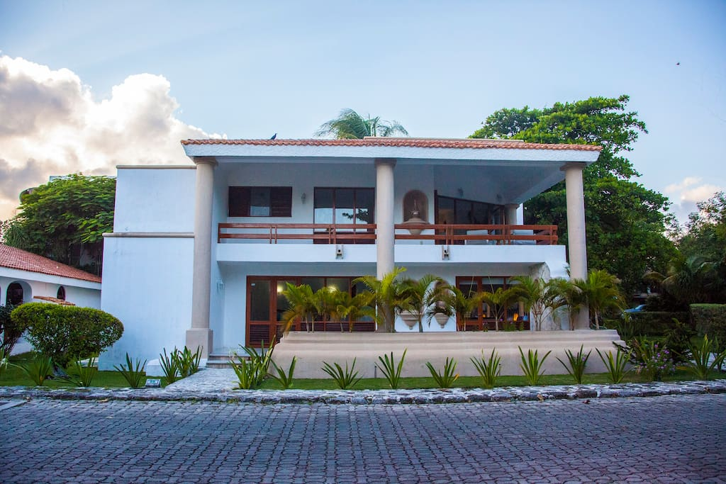Casa Matuk!! Beautiful Mexican style home just steps from the beach, 2BR.