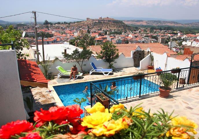 Triple Room @Villa Dreams II, swimming pool & view - Selçuk - Aamiaismajoitus
