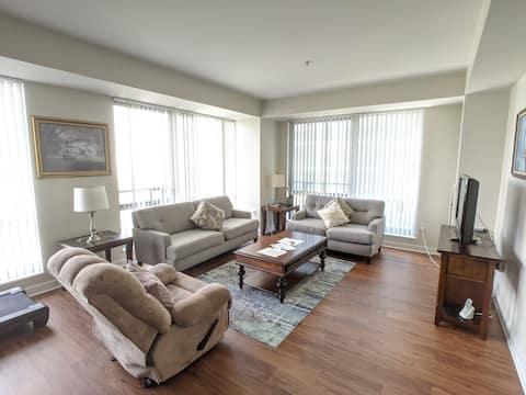 Large 1 Bd Apt Seconds from Mass General Hospital