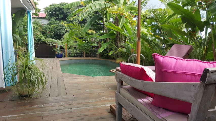 Joli rez de jardin avec vue mer - Saint-Leu - Apartment