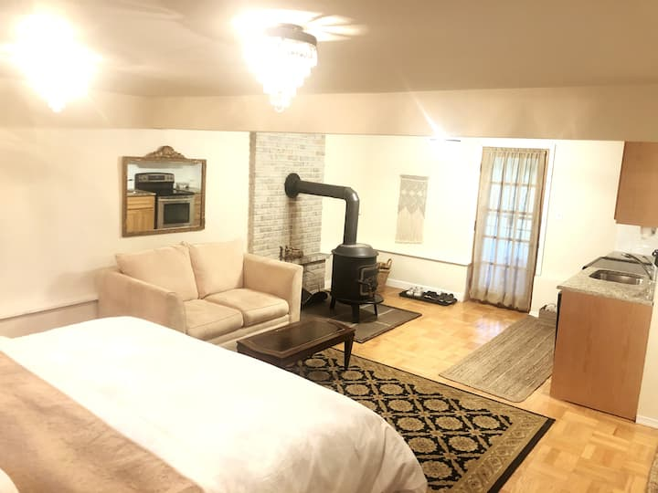 Private King Suite in the Poconos