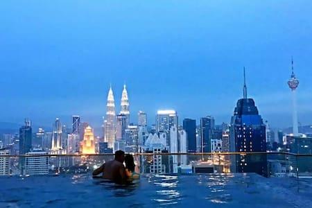 Top Sky Pool Premium Master room,Near KLCC - Kuala Lumpur - Apartment