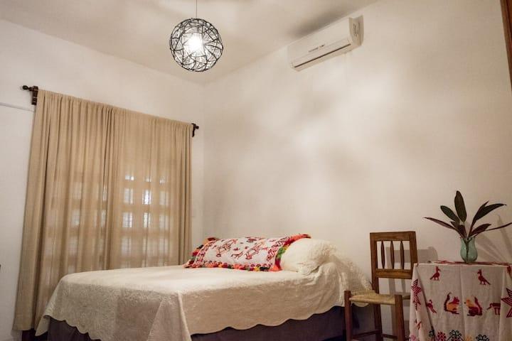 Casa Otilia /  2 habitaciónes Marcela Aquismon