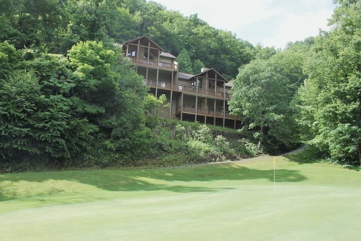 Large Luxury Condo in Great Smoky Mountains
