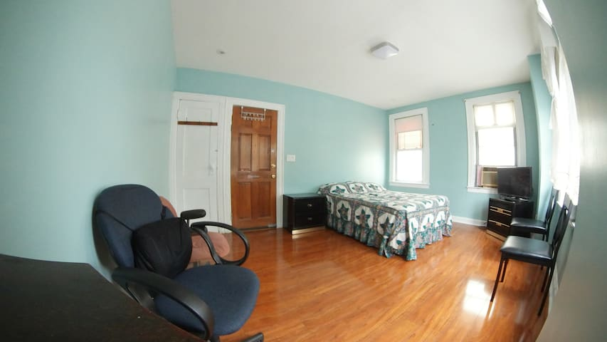 Easy access for New York City / Cozy private Rooms