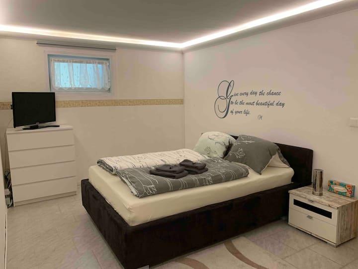 CLOSED :( Appartement für bis zu 4 Personen im UG