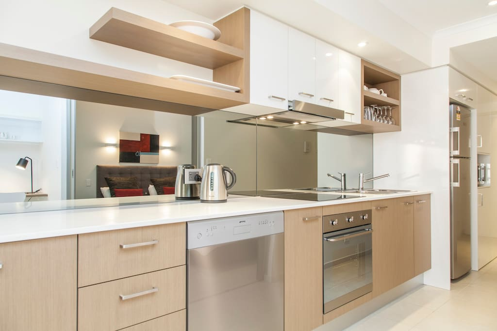 Spectacular kitchen with state-of-the-art Bosch appliances with everything you will need for your stay.