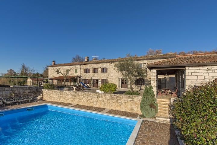 Beautiful Istrian Villa with pool