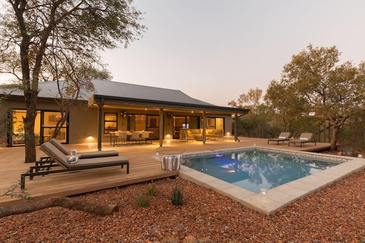 Ubuntu Luxury Villa on Hoedspruit Wildlife Estate