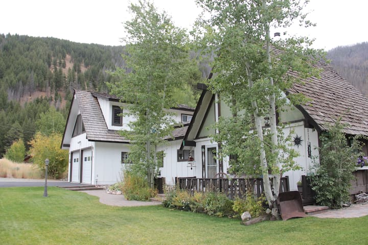 Board Ranch Getaway located by famous Baldy Mt.