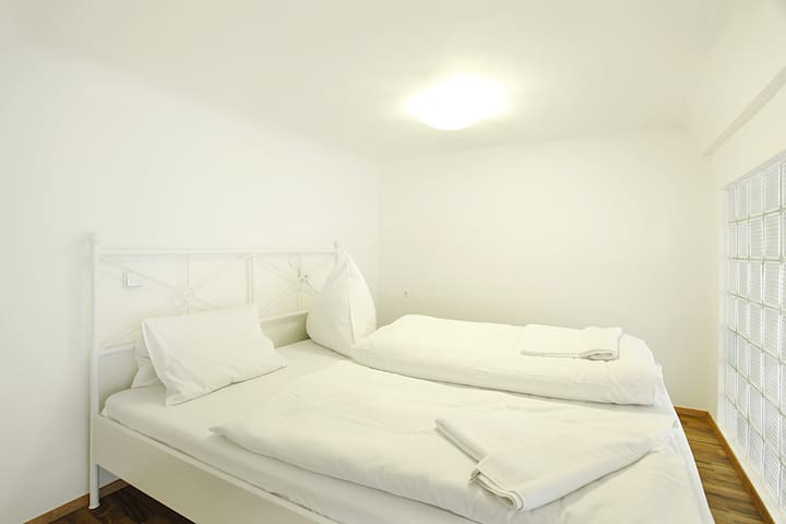 The mezzanine bed  for 2 people in the second bedroom