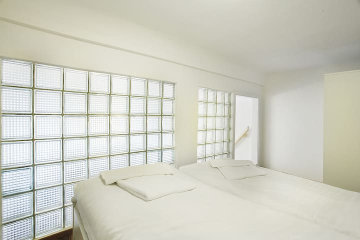 In the second mezzanine bedroom there is opaque glass, whats is a guarantee of privacy