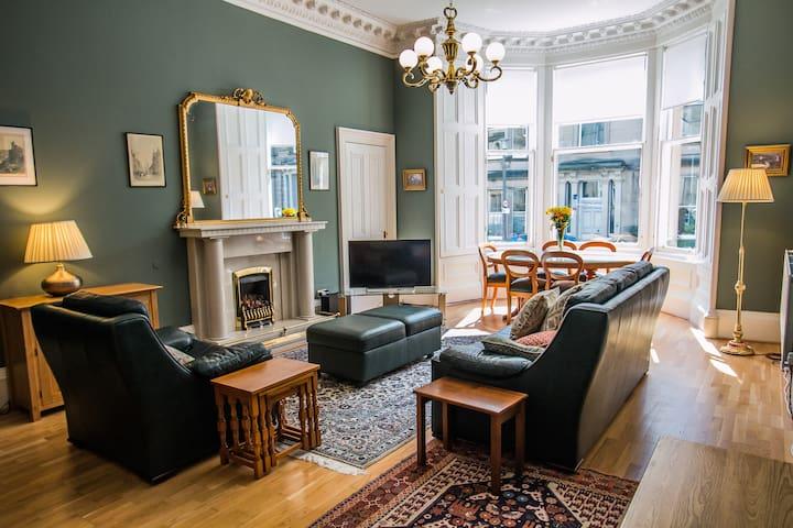 Elegant Bruntsfield Apartment