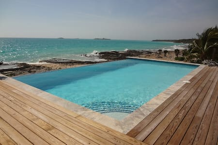 Laguna a Luxury Vacation Home in Eleuthera