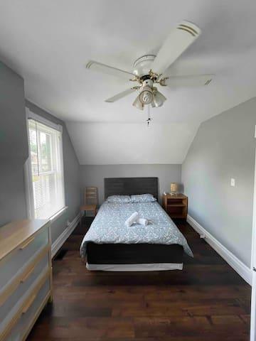 Bedroom 1 - Two beds (Queen)