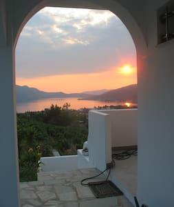 Euboea EVIA grece Village,thermalisme en  mer Egée - Edipsos  - Haus
