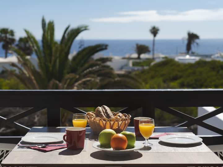 Charco del Palo apartments no. 30, amazing sea view, only 170m to the sea, pool