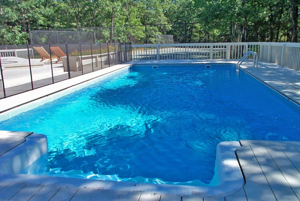 East Quogue, Pool and Tennis Court