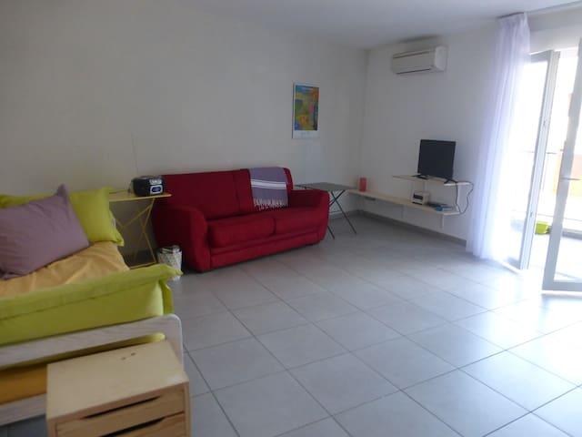 Appartement calme et lumineux au plus prés de tout - Prunelli-di-Fiumorbo - Apartemen