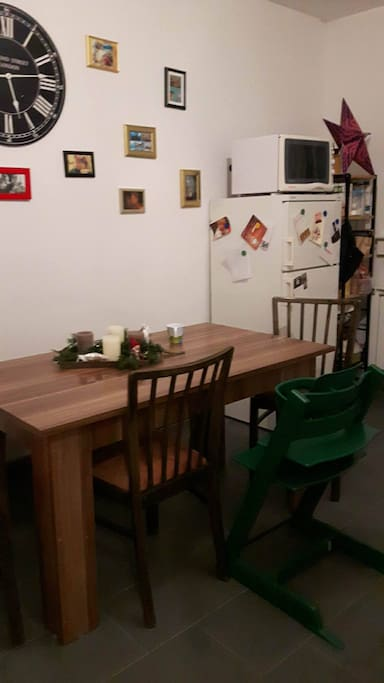 Küche mit Kindersitz