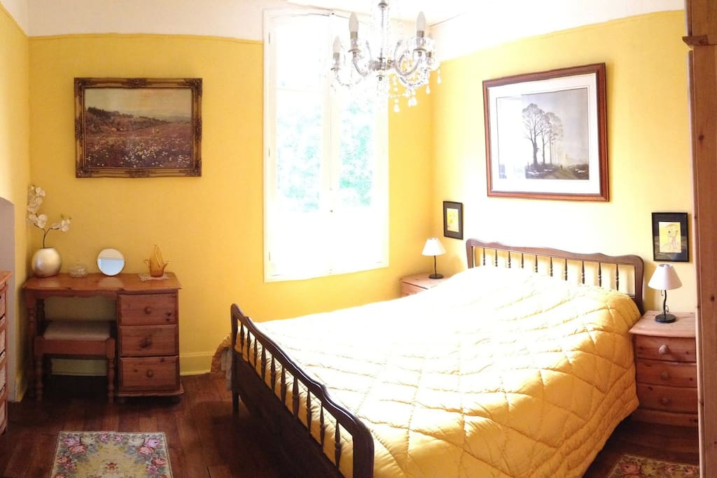 Double room with private wc, and shared bathroom with shower